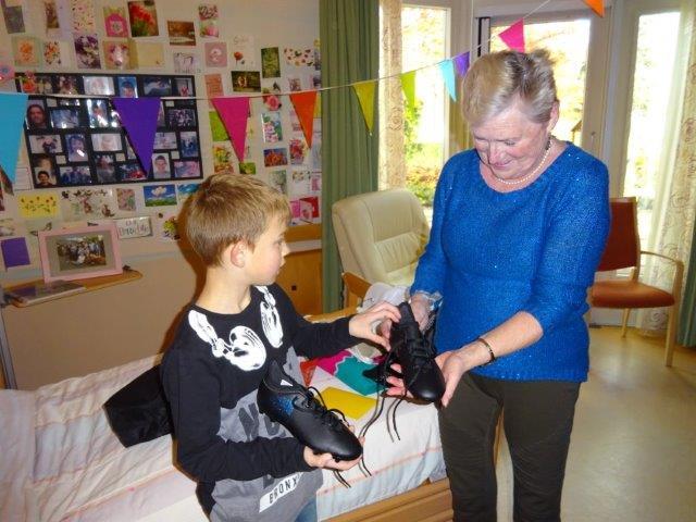 18-01-17-mw-van-den-hoonaard-met-kleinzoon