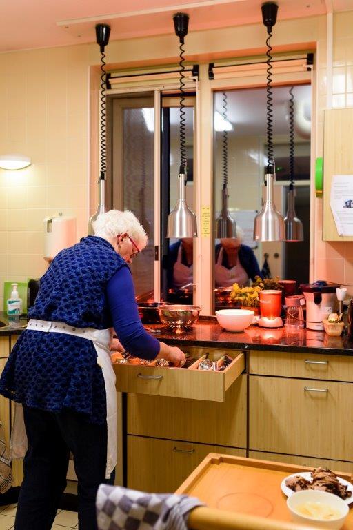 4-kookvrijwilliger-bezig