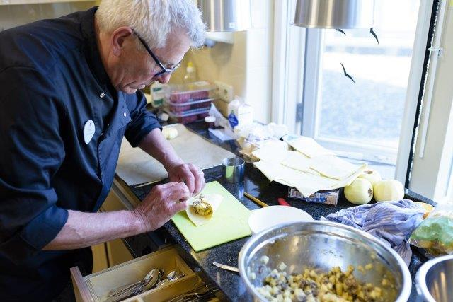 Kookvrijwilliger Tom Hoogeveen